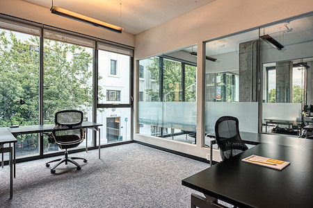 CENTRL Office | Eastside - Desks