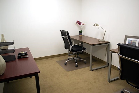 (OSS) One Sansome - 3 Person Interior Office