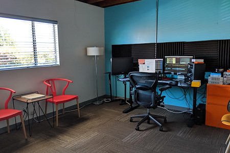 ofis cowork - 3 or 4 Person Team/Private Window Office