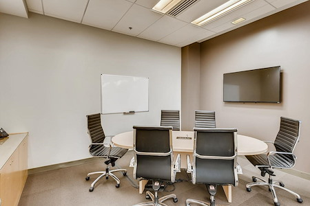 Office Evolution - Columbus/Easton Town Center - Medium Conference Room