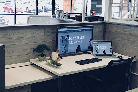 LionShare Cowork - Dedicated Desk