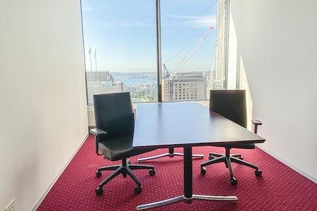Servcorp Gateway - Meeting Room | 6 people