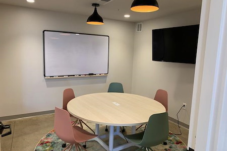 Cova Cowork and Bottoms Up Cafe - Cova Cowork @ Gravity Collaboration Room