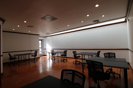 Summit Offices - Long Island City, Queens - Large Private Office Floor