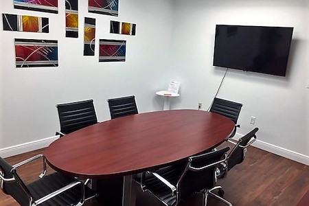 Crown Center Executive Suites (CCESuites) - Phoenix Meeting Room