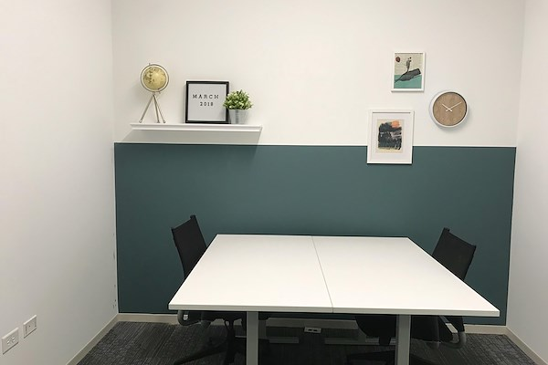 MakeOffices | Magnificent Mile - Mid-size Interior Office (fits 3 desks)