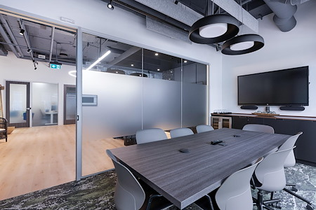 iQ Offices | 550 Robson St - Galiano Room