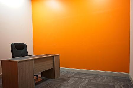 Cafe Biz 618 Shared Workspace - Office #4
