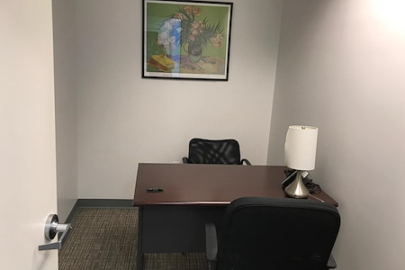 NYC Office Suites - 420 Lexington Ave - 1 person office