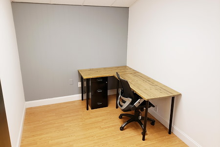 Outlet Coworking - Private Office for 1