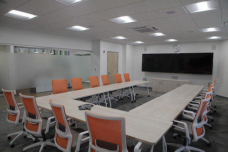 Office Evolution - Woodbridge/Metropark - High Tech Training Room