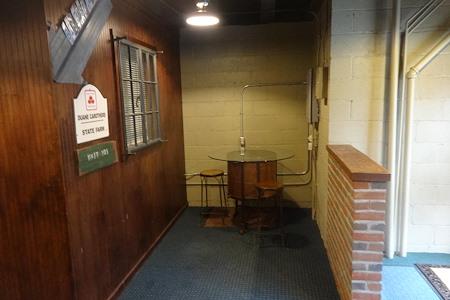 Big Easy Desk - Open Desks throughout building