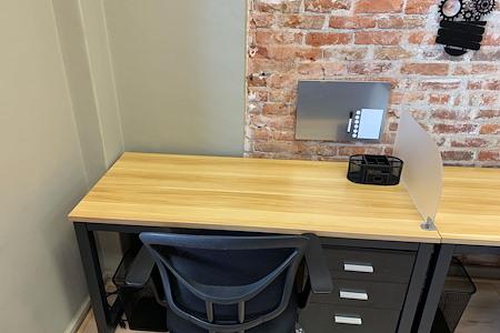 element18 - Dedicated Desk 2