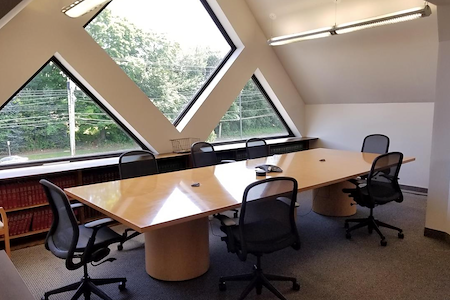 gSPACE | Post Road Plaza - Meeting Room