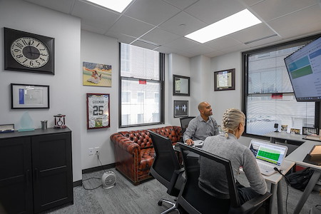 Novel Coworking - LaSalle Building - Office 243