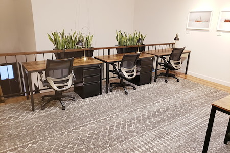 Outlet Coworking - Dedicated Desk