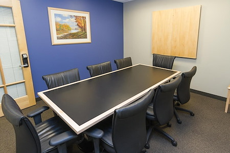 Intelligent Office - Boston - Medium Conf Room 3