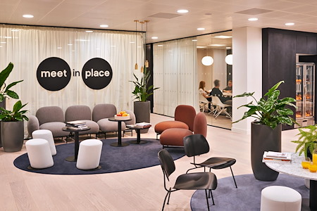 Meet in Place - King William, LDN - Classic Conference Room #11