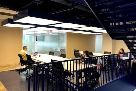MakeOffices | 17th & Market - Open Desk