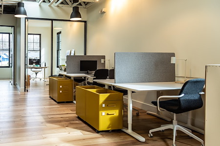 WestBase Coworking - Dedicated Desk 1