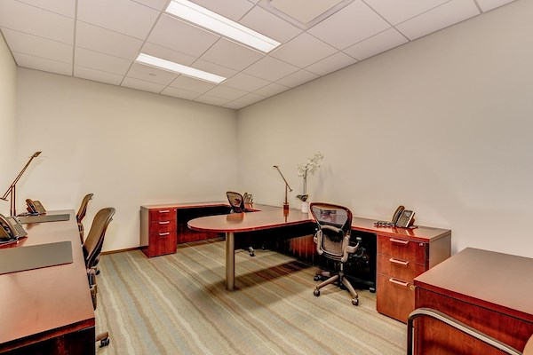 Carr Workplaces - Reston Town Center - Full time Dedicated Desk