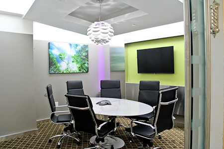 Jay Suites - 10 Times Square - Meeting Room E for 6