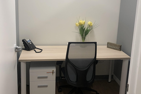 Office Evolution - Woodbridge/Metropark - Dedicated Cubicle Private Desk