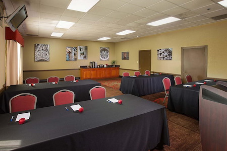 Best Western Plus The Charles Hotel - Lewis & Clark Meeting Room