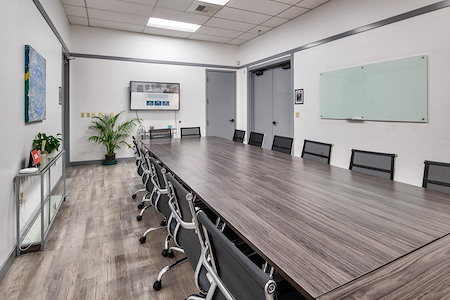 Nine2Five - Large Meeting Room / Classroom