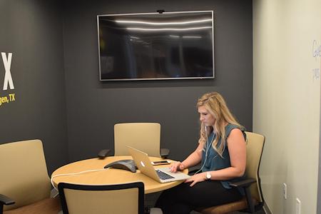 Venture X | Harlingen - Laurel Meeting Room