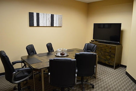 Orlando Office Center at Colonial Town Center/Downtown - Medium Meeting Room