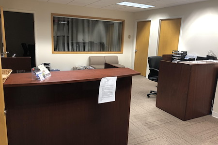 Josand - Dedicated Desk 1