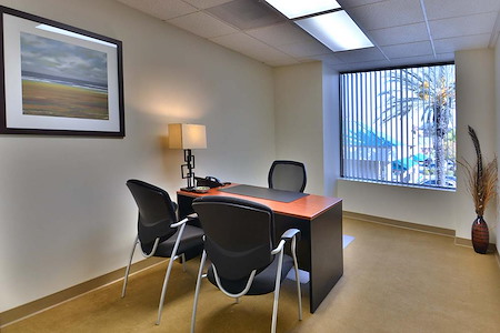 (TEM) Temecula - Window Office