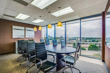 WORKSUITES | North Houston - Boardroom