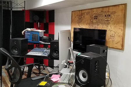 Aquorn Studio - 360 intimate, private Creative Suite