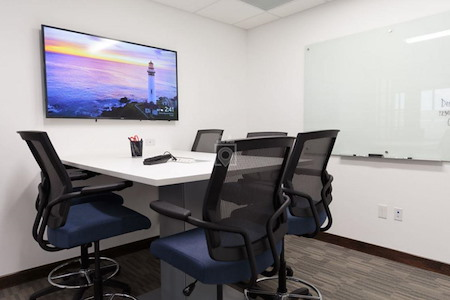 Cosuite - Medium Conference Room
