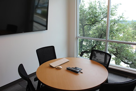 Venture X | San Antonio - Market Square Meeting Room