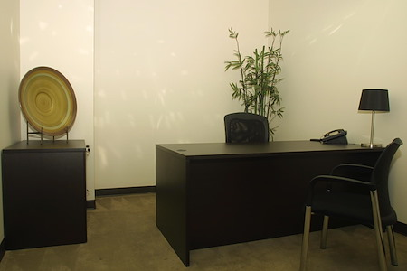 (CER) Cerritos Tower - Window Office