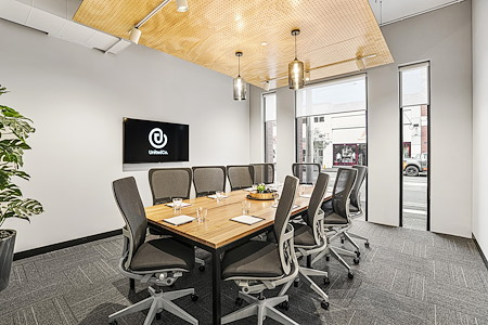 United Co. - Vienna Meeting Room / 10 Person