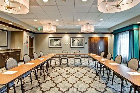 Hampton Inn & Suites Bellevue Downtown - Pike Place