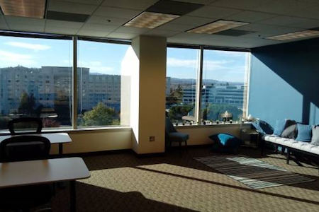 Regus | Twin Dolphin Drive - Office Suite 1
