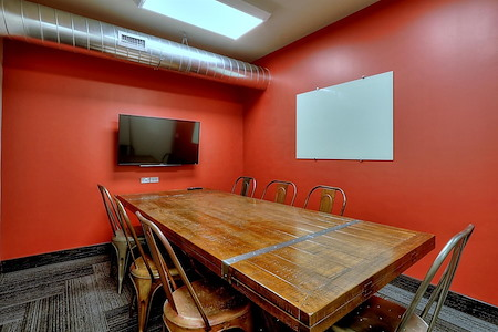 GRID COLLABORATIVE WORKSPACES - Medium Meeting Room 2