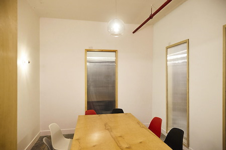 Hunters Point Studios - Meeting Room 2