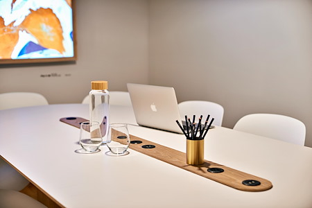Meet In Place SoHo - Premium Conference Room #4