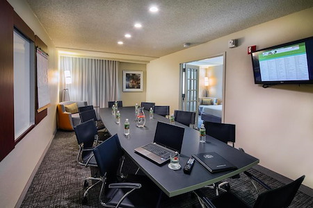 Courtyard by Marriott DFW North Irving - Executive Suite