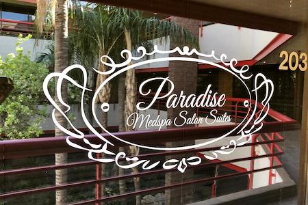 Paradise Tower - Salon Suites