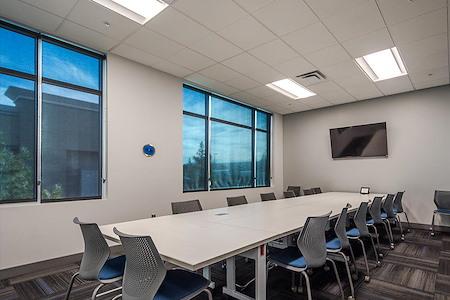 The Forum Cowork - Mastermind Room