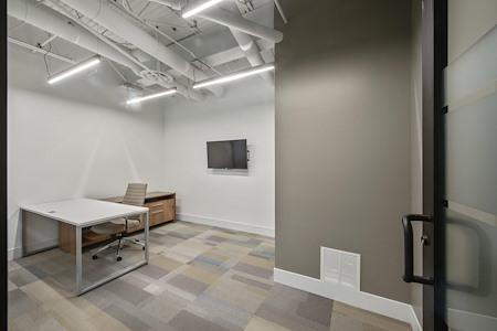 Signature WorkSpace-Northwood - 724
