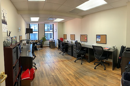 Select Office Suites - 1115 Broadway Flatiron NYC - Private office for 8-10 desks