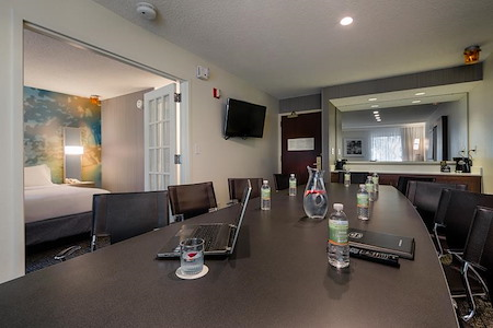Courtyard by Marriott DFW North Irving - Executive Suite 2